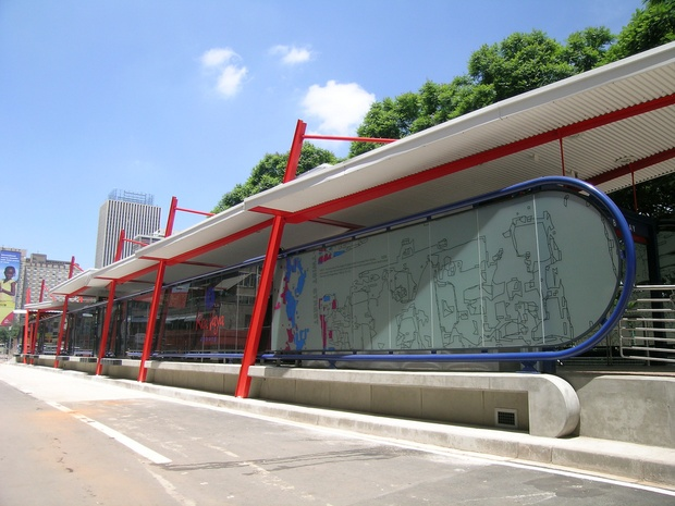 A BRT station in Johannesburg puts U.S. counterparts to shame. (ITDP / Flickr).