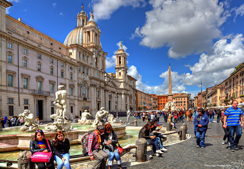 The most fascinating city squares in italy citi io for Day office roma