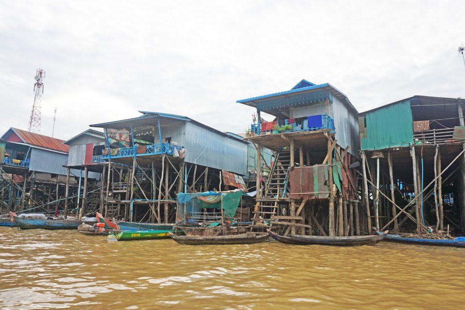 Floating Village Cambodia 960x640